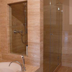 zabudowana kabina prysznicowa ze szkła